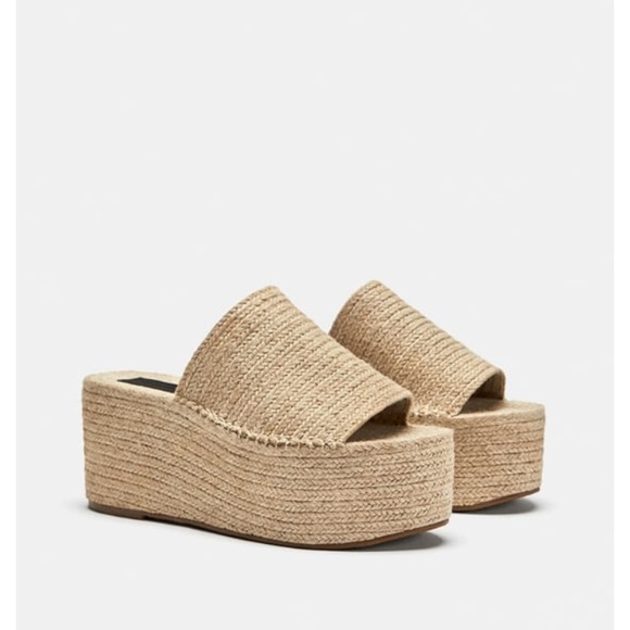 0d7582b50707 Zara jute platform sandals. M 5c3e54ad5c44524a24d21d18